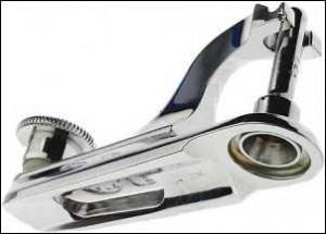 Sharp steel to cut delicate flesh